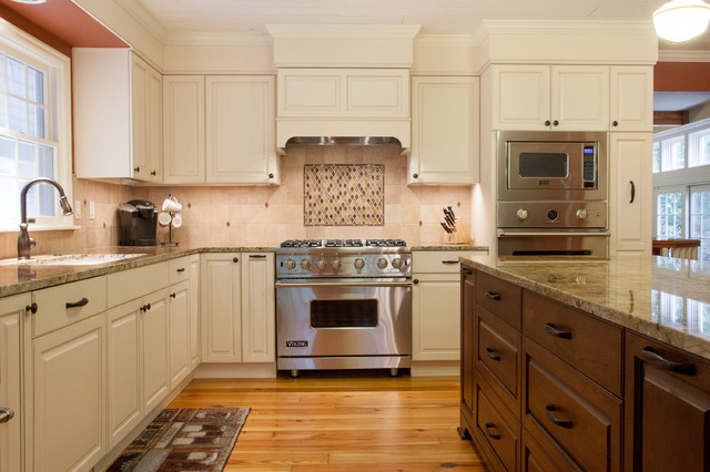 Farmhouse kitchen - Traditional - Kitchen - portland - by Fraley and ...