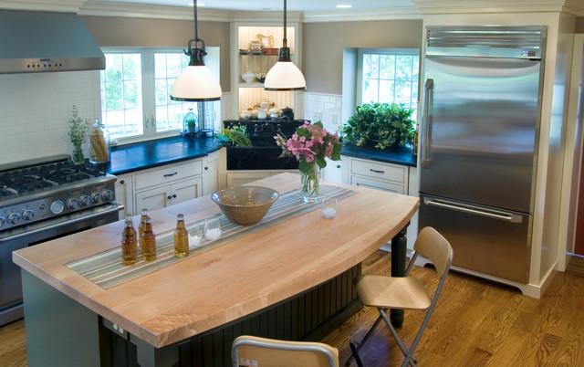 Farmhouse Kitchen traditional-kitchen