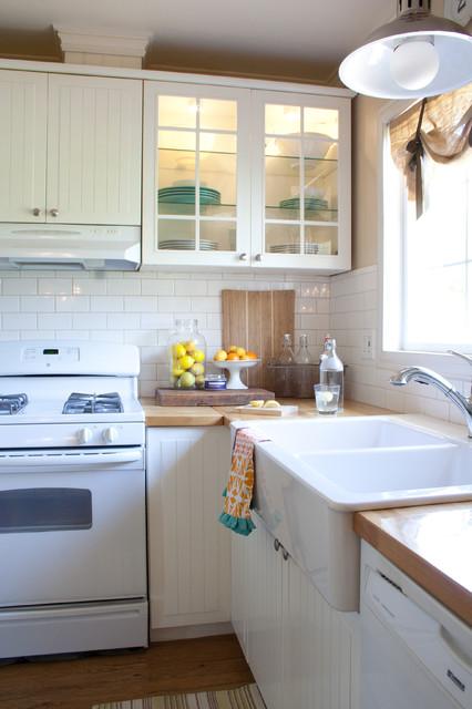 Farmhouse Kitchen - Traditional - Kitchen - los angeles - by Jennifer Grey Interiors
