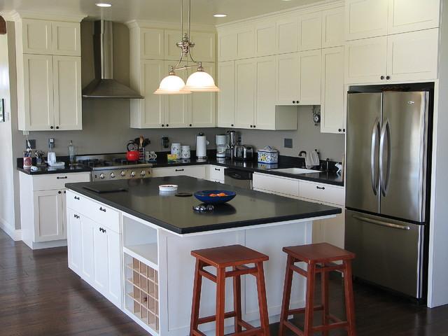 Farmhouse kitchen - Farmhouse - Kitchen - other metro - by Madson Design