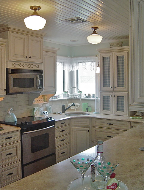Beach House farmhouse-kitchen