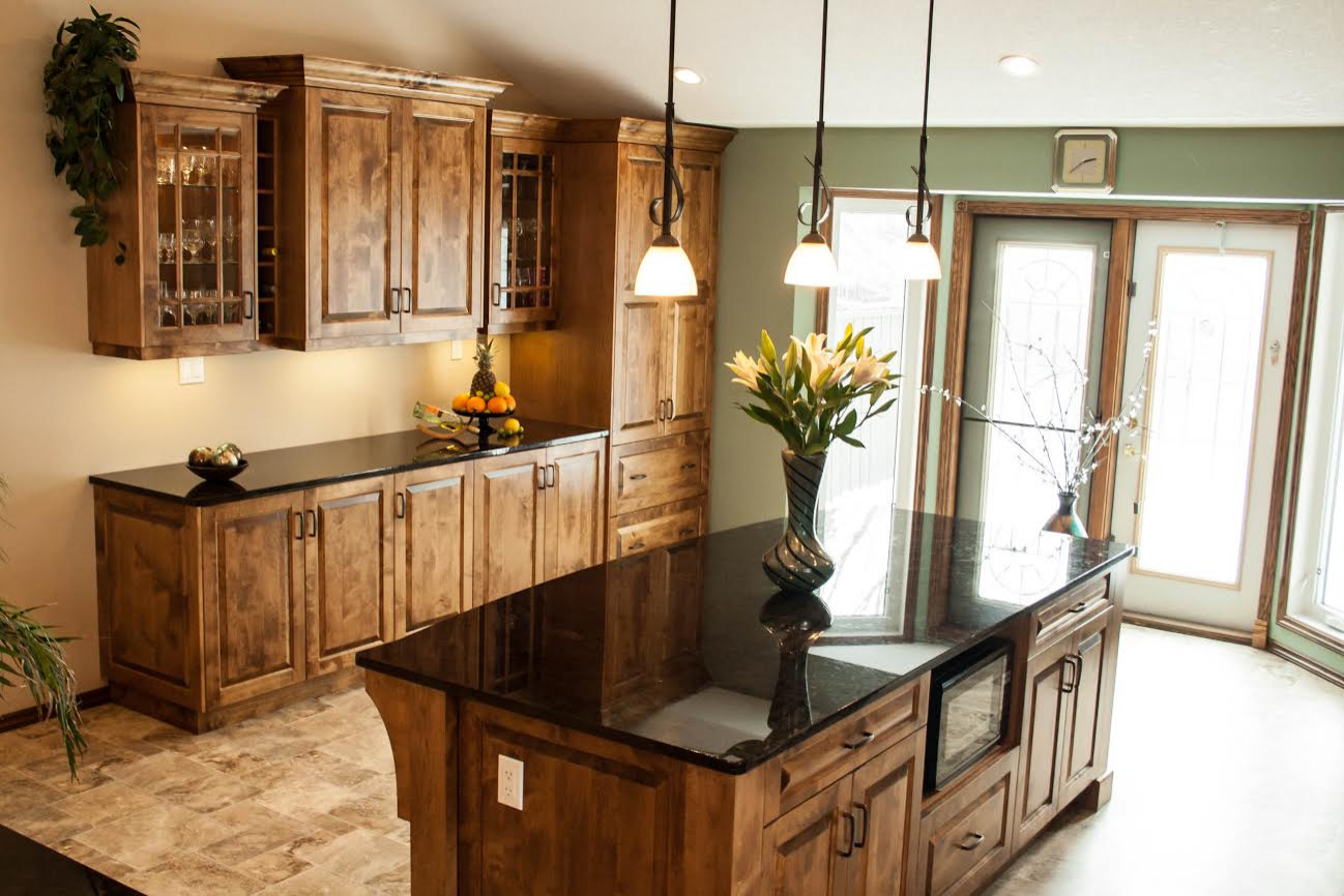Farmhouse Kitchen Redesign with Custom Cabinets