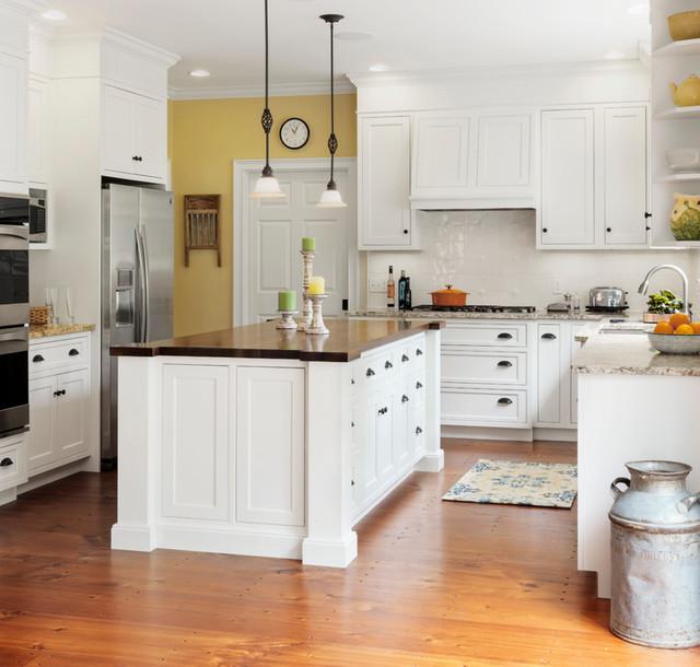Butcher Block Kitchen: Farmhouse Kitchen With Butcher Block Island