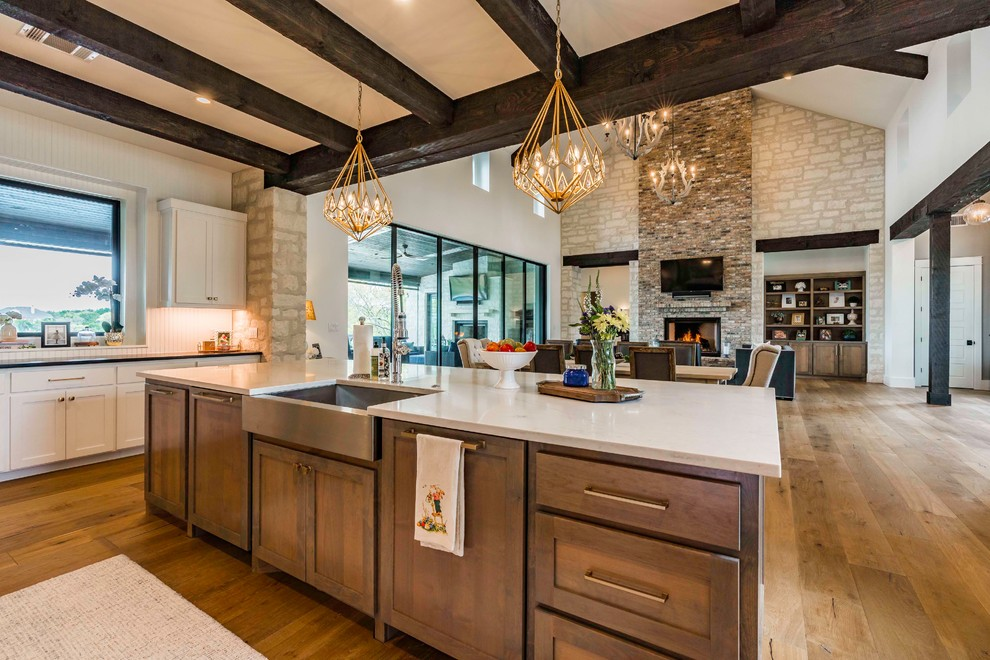Inspiration for a farmhouse kitchen remodel in Austin