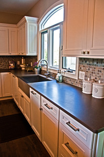 Farmhouse Sink And Kitchen Countertops Traditional