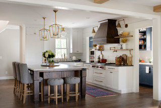 Farmhouse Transitional Kitchen - Farmhouse - Kitchen - Minneapolis - by Mingle