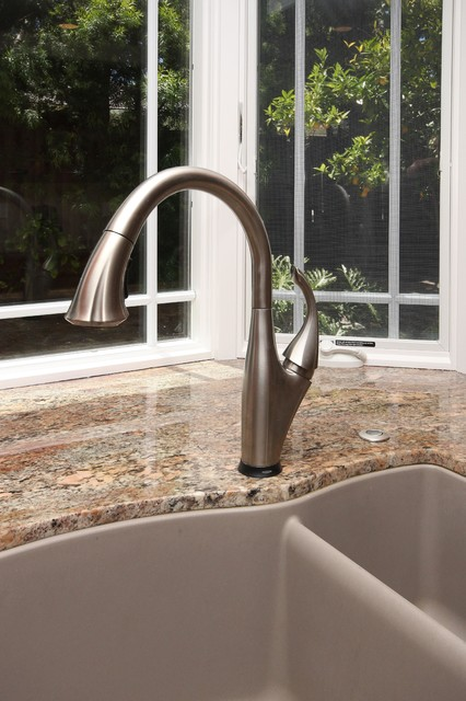 Faucet contemporary-kitchen