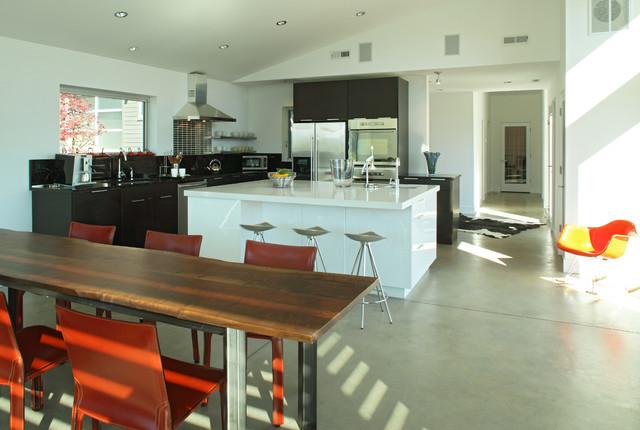 Fazan Vacation Home industrial-kitchen