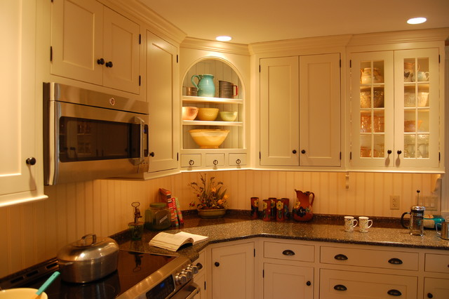 Feature corner display cabinet - Traditional - Kitchen - philadelphia - by Kevin Martin