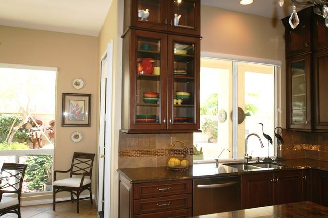 Feature Wall Cabinet Mediterranean Kitchen