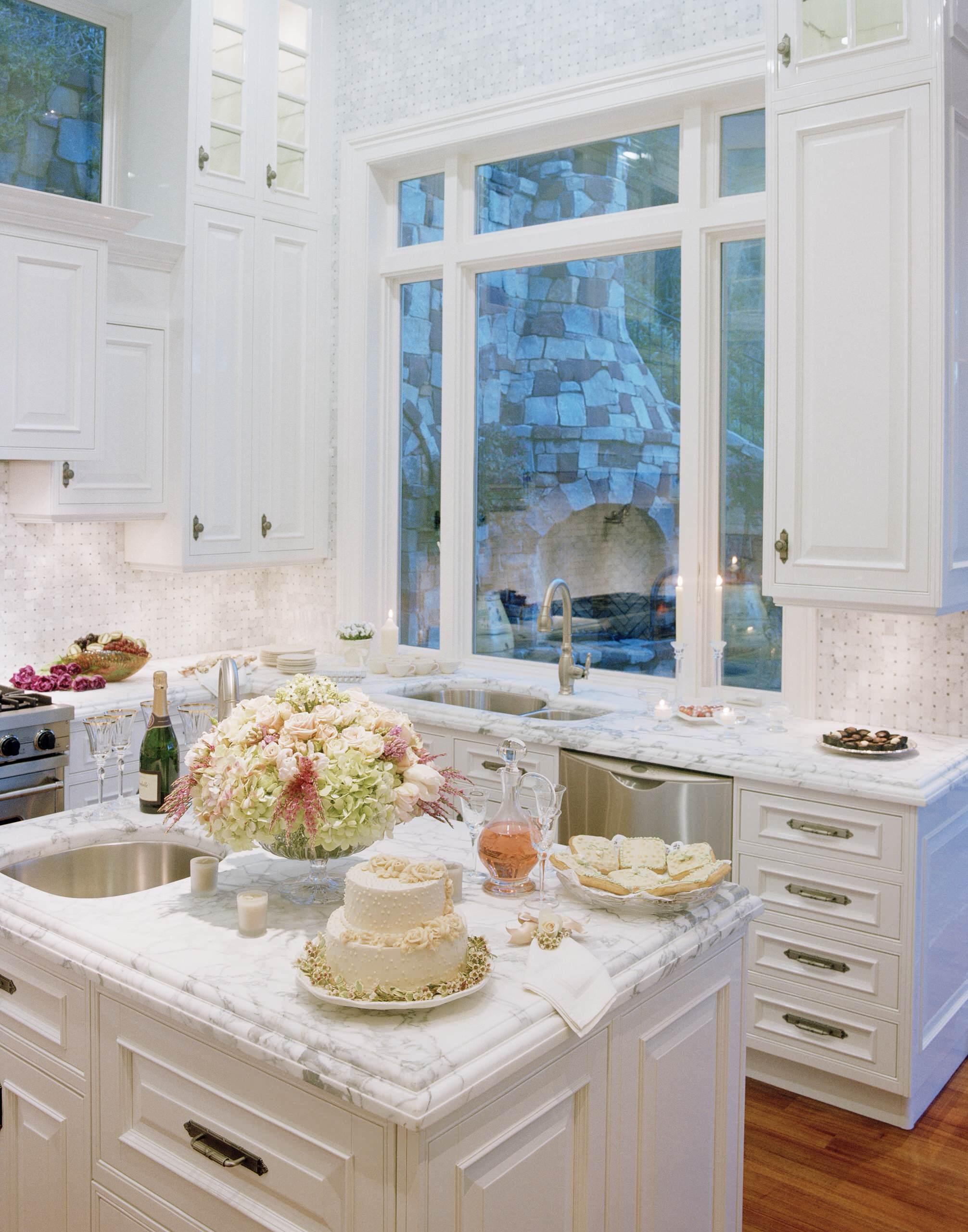 White Marble Countertops And Backsplash Ideas Photos Houzz