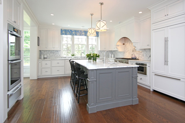 Federal Colonial Restoration Traditional Kitchen
