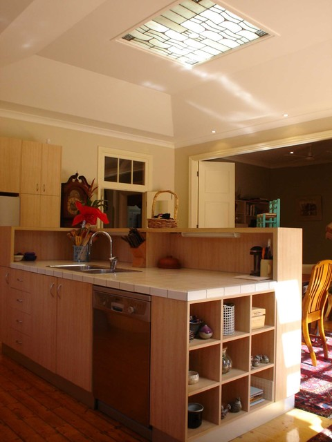 Federation alts adds traditional kitchen sydney for Federation kitchen designs