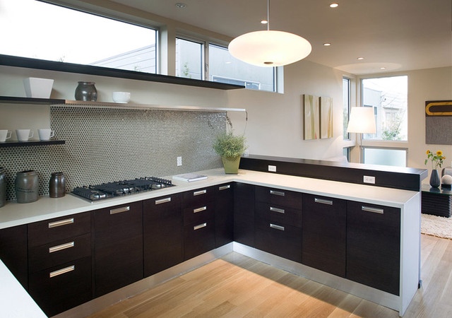 kitchen design with no top cabinets. Feldman Architecture modern kitchen