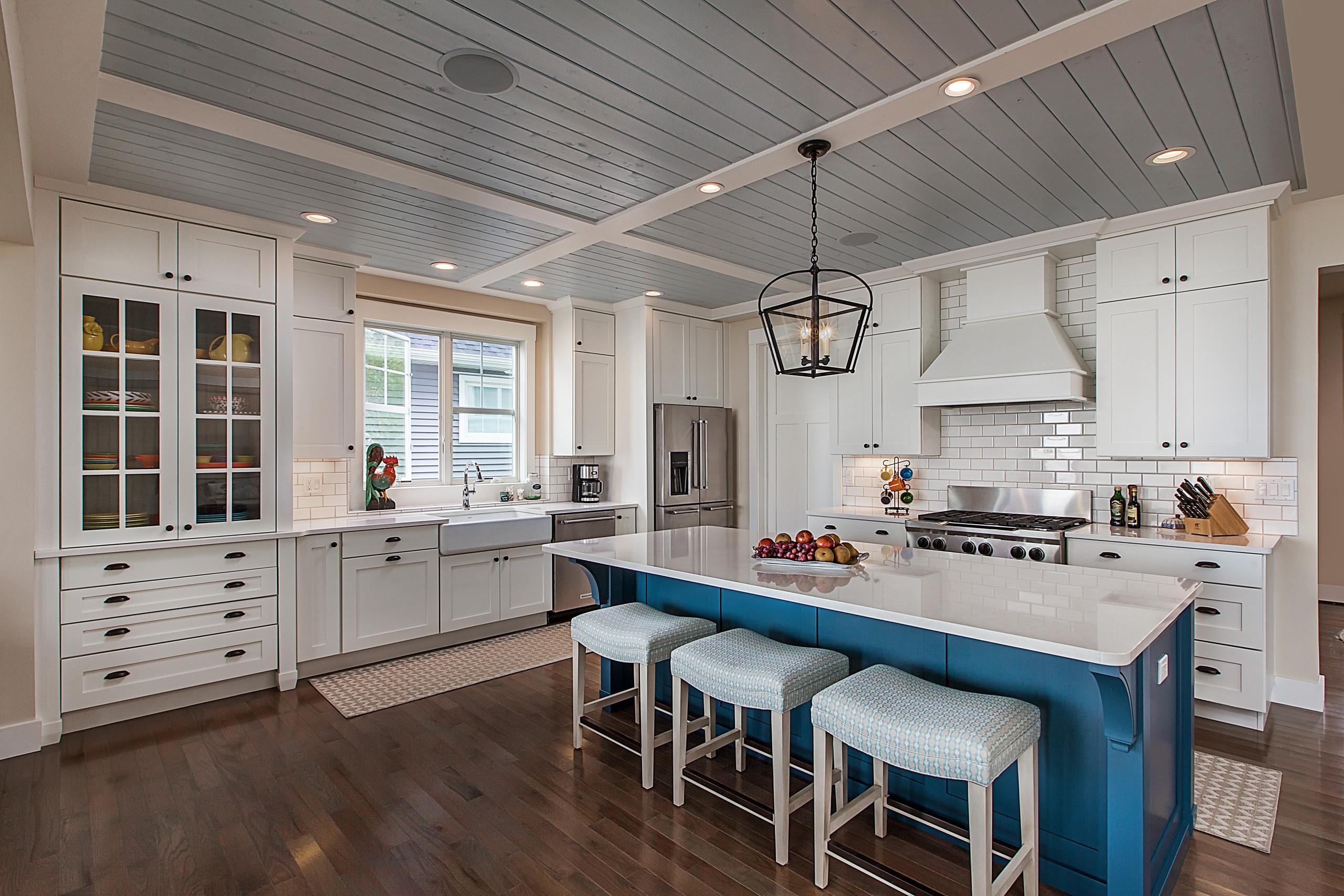 75 Beautiful Shiplap Ceiling Kitchen Pictures Ideas April 2021 Houzz