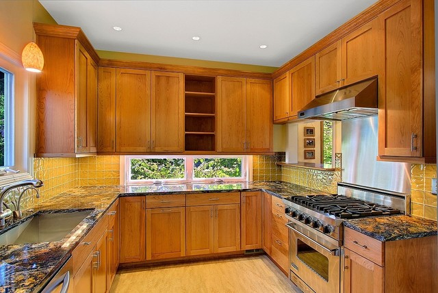 Fine Construction, Inc traditional-kitchen