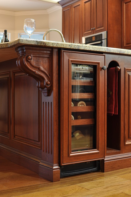 Finley traditional-kitchen