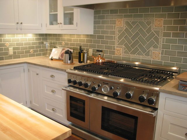 Fireclay backsplash traditional kitchen - Traditional kitchen tile backsplash ideas ...