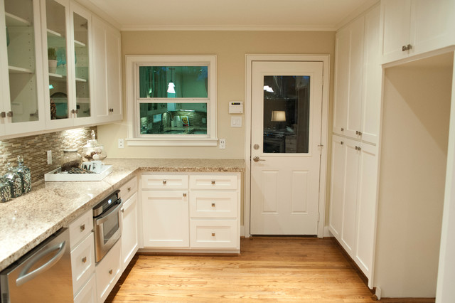 Firestone traditional kitchen houston by curtis for Alabaster white kitchen cabinets