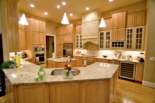 Firetti Builders traditional-kitchen