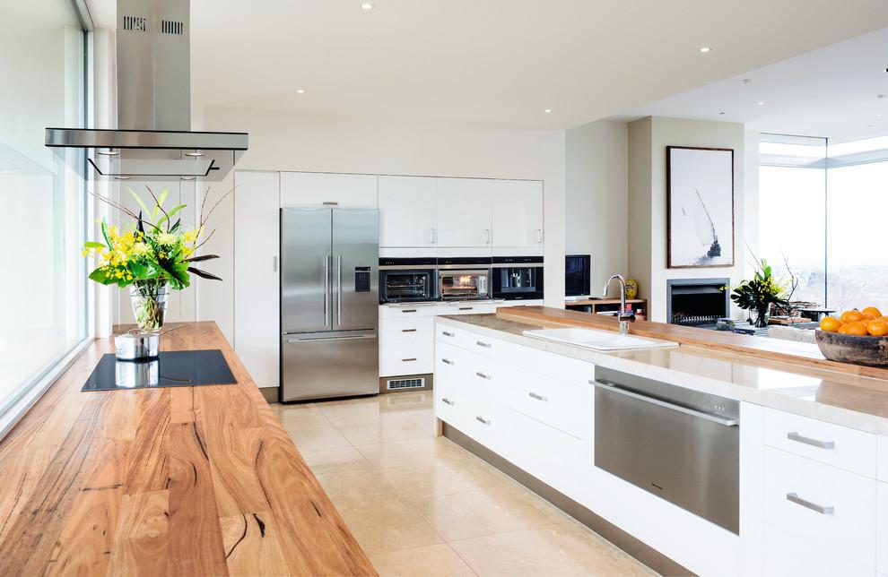 Trendy kitchen photo in Orange County