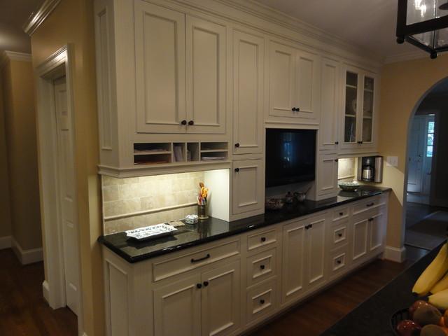 Flip That Kitchen traditional-kitchen