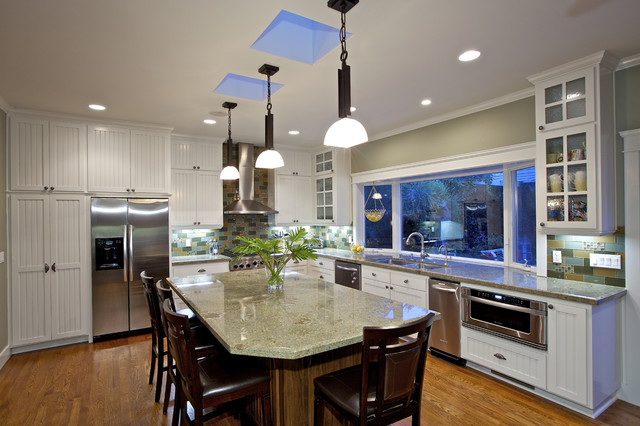Flora Residence traditional-kitchen
