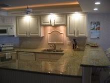 Florida Keys traditional-kitchen