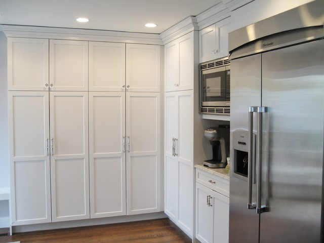 Frameless White Kitchen Traditional Kitchen New York By FitzPatrick D
