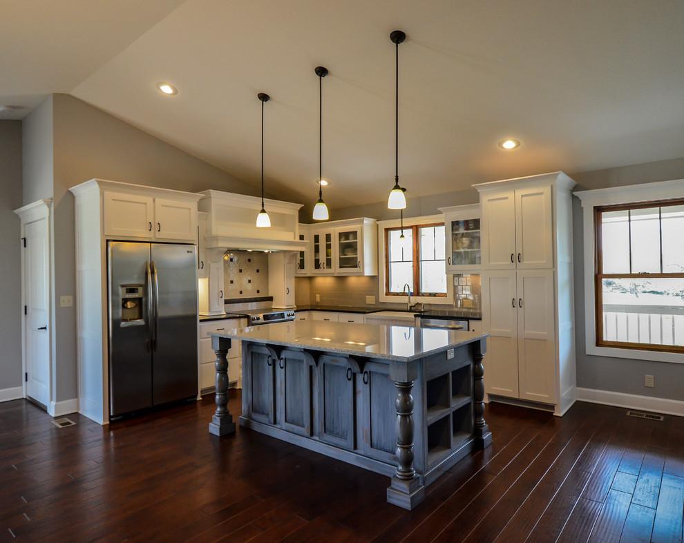 Francis Road - Farmhouse - Kitchen - Kansas City - by Owen ...