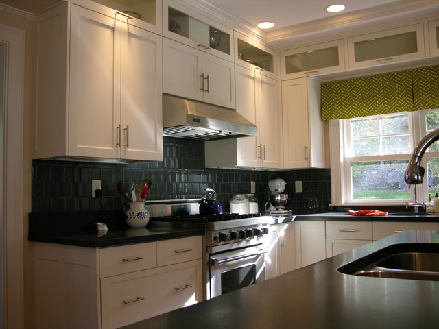 Freeport kitchen contemporary kitchen portland maine by robin amorello ckd caps - Kitchen design portland maine ...