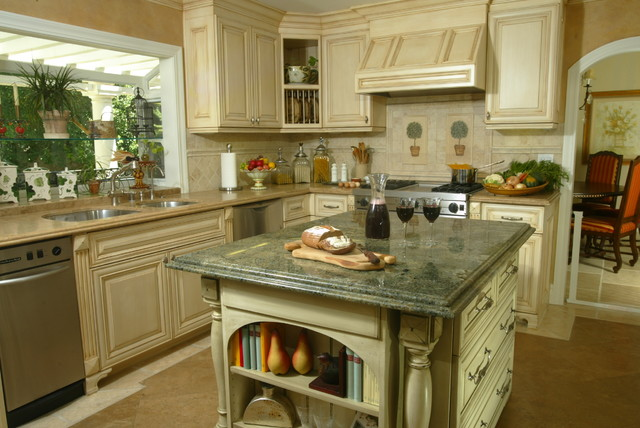 French Country in Laguna Hills, CA - Traditional - Kitchen - Orange County - by KK Design Koncepts