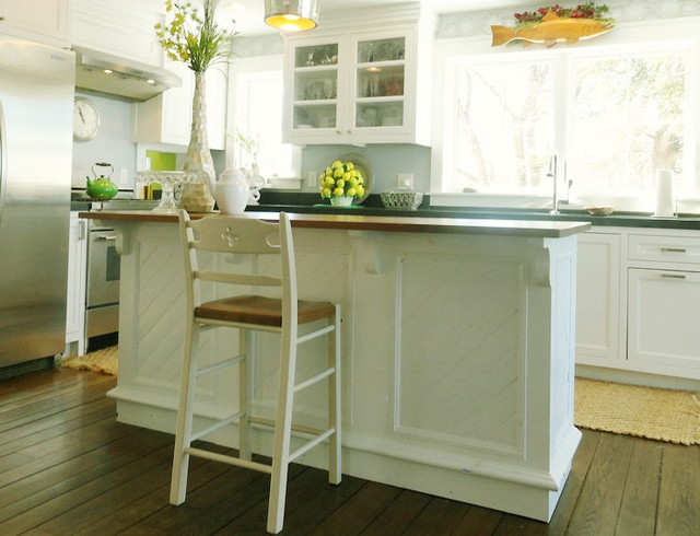 French Country Kitchen Island Beach Style Kitchen