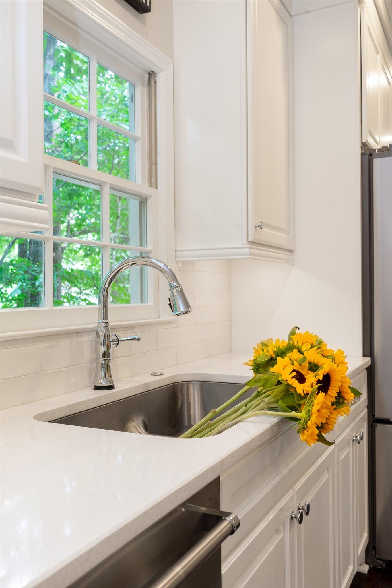 Fresh and elegant Woodstock kitchen