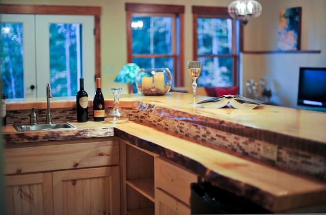 Fresh take on farmhouse design farmhouse-kitchen