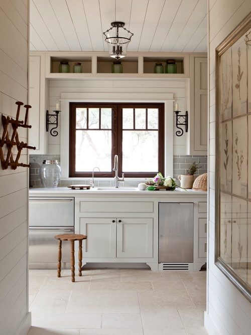 Texas stone ranch charming home tour town country living - Wood and stone house plans a charming symbiosis ...