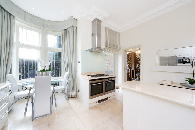 Frognal Traditional Kitchen London By Home Fotografy