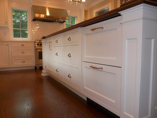 Frogtown Road- New Canaan traditional kitchen