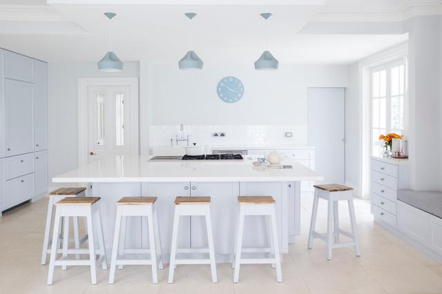7 Ideen für Farbakzente in der weißen Küche