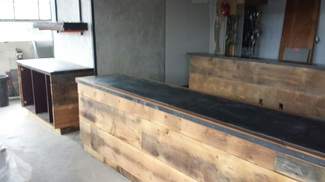 FRONT COUNTER IN ANTIQUE HEART PINE Industrial Kitchen