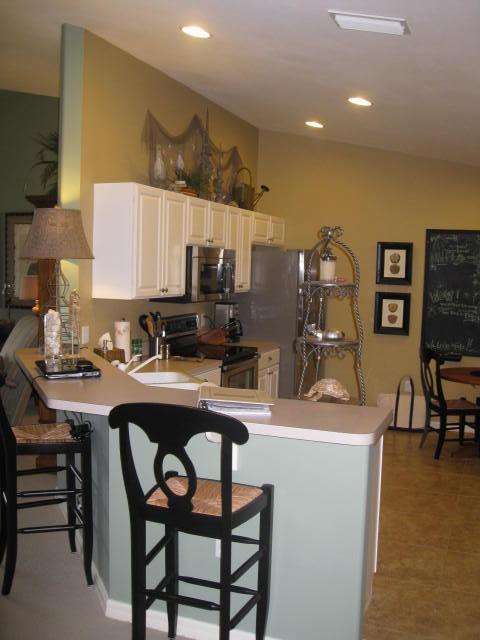 Ft.Myers Beach House traditional-kitchen