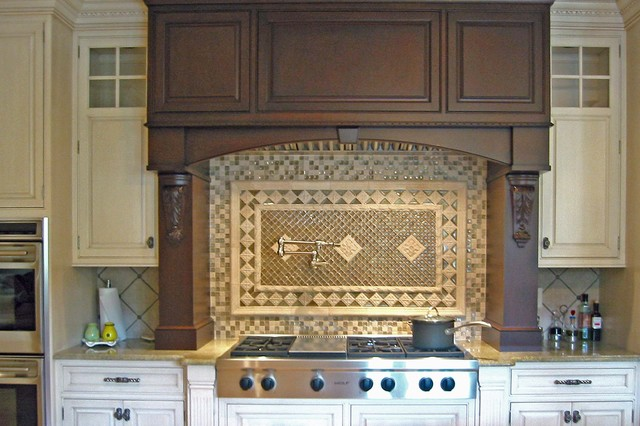 Fully Furnished traditional kitchen