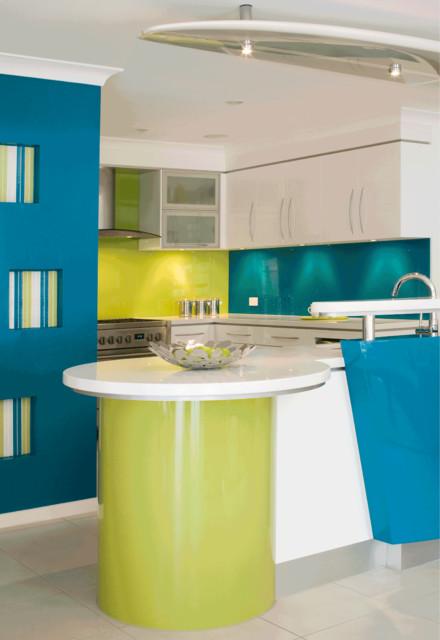 Example of a trendy kitchen design in Brisbane
