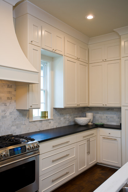 Functional kitchen with soothing colors for Traditional kitchen color schemes