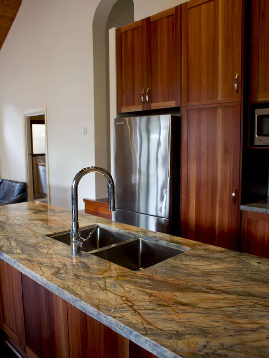 Fusion (Quartzite) Kitchen -