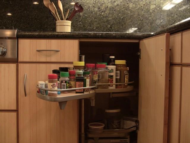 Gagorno Residense contemporary-kitchen