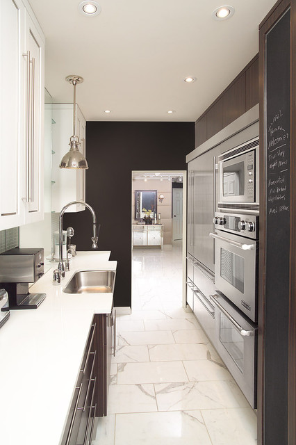 Galley Kitchen - Contemporary - Kitchen - Toronto - by Arnal Photography