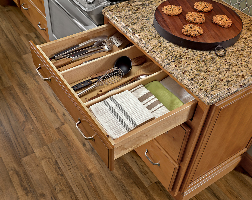 galway kitchen in maple caramerl with java glaze