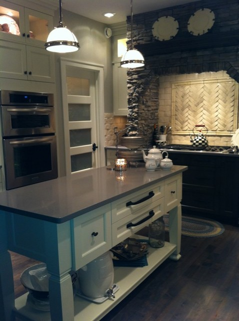 Ganson Kitchen Traditional Kitchen Edmonton By Kitchen Craft Cabinetry Paivi Mceown