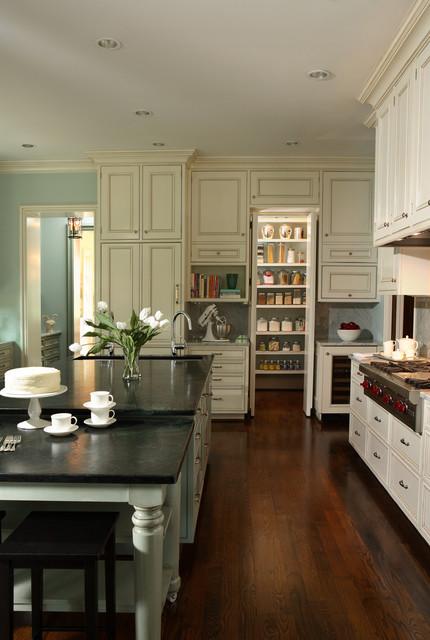Garden Hills Residence - Traditional - Kitchen - atlanta - by Rabaut Design Associates, Inc.